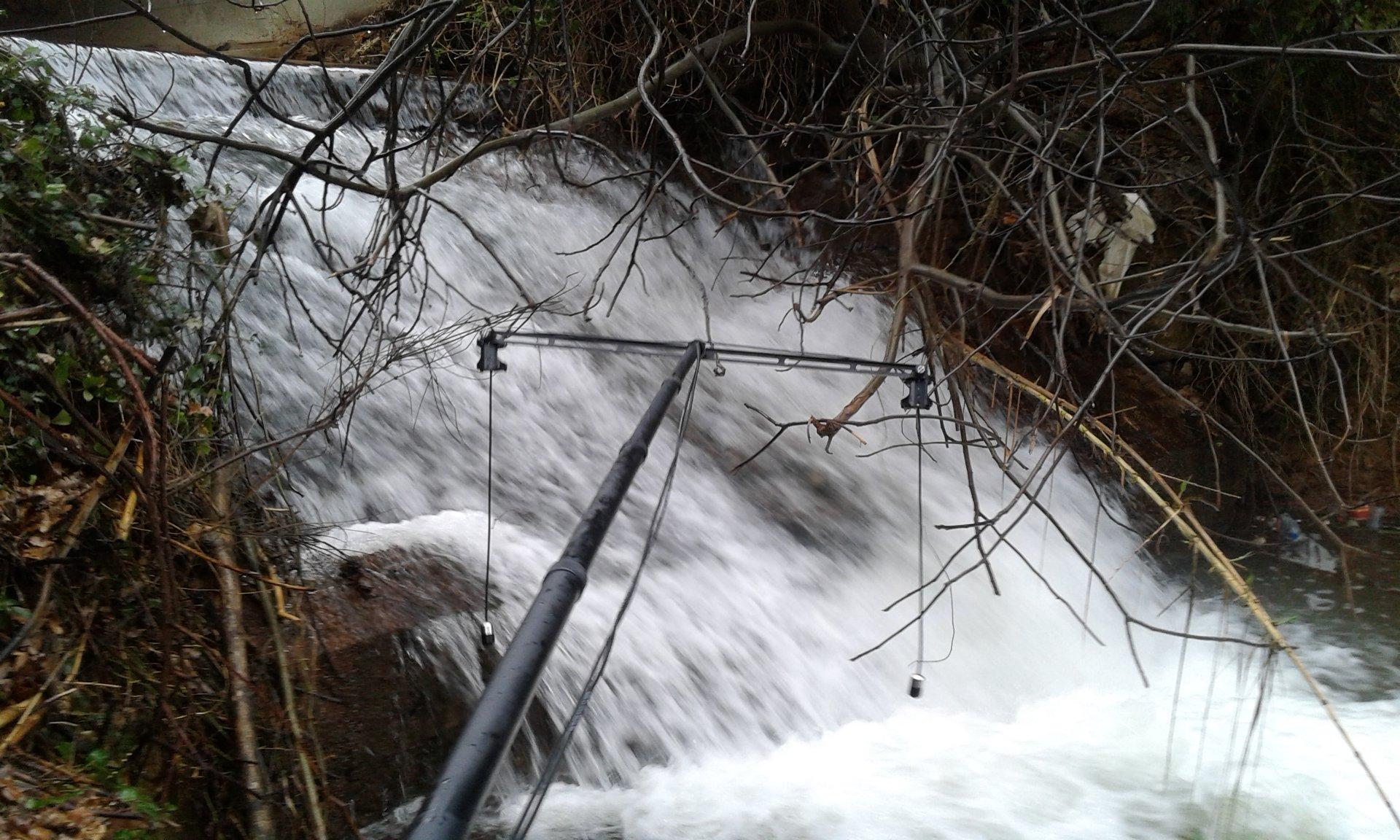 enregistrement avec hydrophones dans une cascade